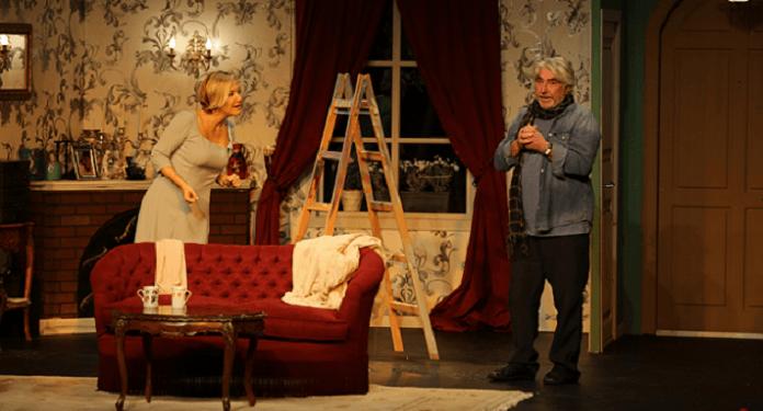devlet tiyatrolari sabanci uluslararasi adana tiyatro festivali yasinda